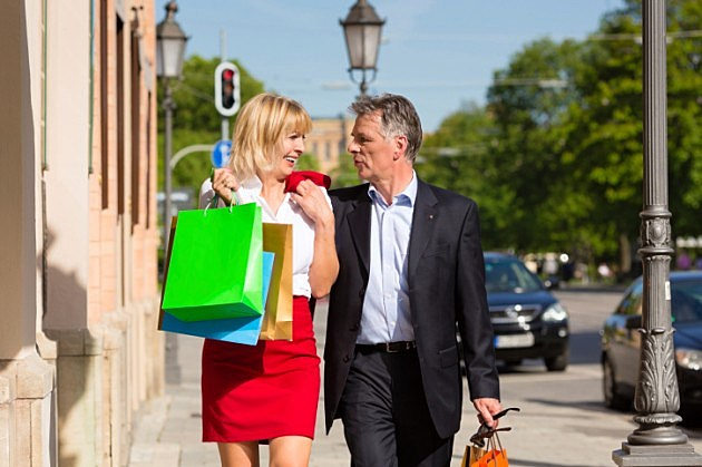 Man and woman couple shopping in spring