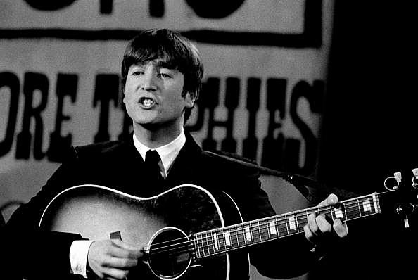 「john lennon beatles 1963 live」の画像検索結果