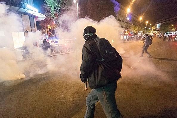 Violent clashes in Paris