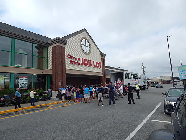 Crowd gathers outside new Ocean State Job Lot store in Fairhaven / Jim Phillips TSM